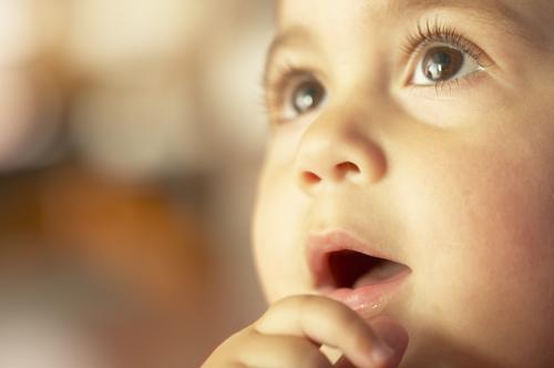 עין עצלה אצל ילדים ודרכי הטיפול.